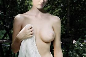 Weiße Madonna, 2008, © Dorothy Golz